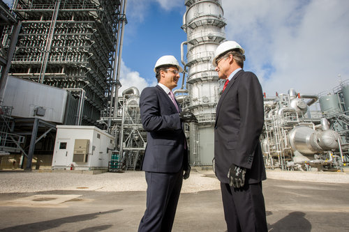 DOE head Rick Perry (right) visits NRG's new Petra Nova facility, which captures almost all carbon dioxide from one of its four smokestacks. Credit: NRG.